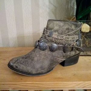 NAUGHTY MONKEY 'ANCHORAGE' Ankle Boots